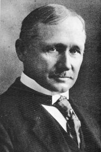 """Frederick Winslow Taylor crop"". Licensed under Public Domain via Wikimedia Commons - https://commons.wikimedia.org/wiki/File:Frederick_Winslow_Taylor_crop.jpg#/media/File:Frederick_Winslow_Taylor_crop.jpg"